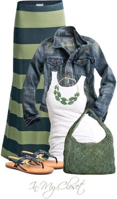 Great look for spring/summer! http://inkspire.awwomg.com/tattoodesigns/great-look-for-springsummer/