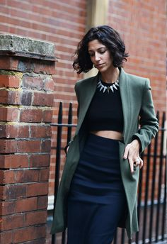 Yasmin Sewell in Green and blue - Spring London Fashion Week Street-Style Photos by Tommy Ton London Fashion Weeks, Fashion Week Paris, London Fashion Week Street Style, Milan Fashion, Tommy Ton, Cropped Tops, London Stil, Look 2015, Foto Fashion