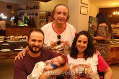 Prestigiamos ontem a tradicional Feijoada do Elpidio. Você pode ver, baixar e compartilhar as fotos no site www.arrozdefyesta.net.