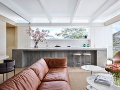 Tree House by Madeleine Blanchfield Architects – Project Feature – The Local Project Interior Architecture, Interior Design, Australian Architecture, Contemporary Architecture, Modern Interior, Compact House, Two Storey House, Storey Homes, Australian Homes