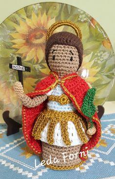 Christmas Ornaments, Holiday Decor, Crochet Animal Amigurumi, Crochet Dolls, Crochet Flowers, Recipe, Saints, Xmas, Amigurumi Doll