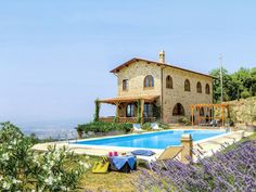 Located on the slopes of Monte Amiata, lovely detached villa with swimming pool, garden and terraces,