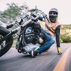 casiers casque moto pinterest casiers moto et rangement. Black Bedroom Furniture Sets. Home Design Ideas