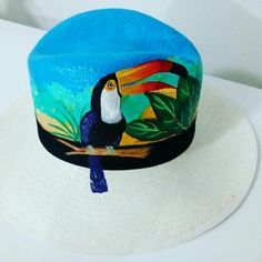SOMBRERO PINTADO Painted Hats, Painted Clothes, Hand Painted, Hat Decoration, Western Chic, Fancy Hats, T Art, Custom Hats, Fabric Painting