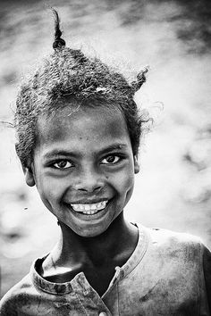 The Life You Can Save in 3 minutes by Peter Singer: https://youtu.be/onsIdBanynY Photo: Paolo Scarano Ethiopia https://500px.com/paoloscarano