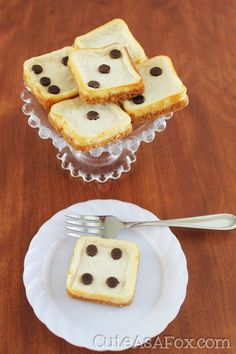 Every time I host Bunco (Bunko) I try to come up with a themed craft or food item. I just think it's a lot of fun and makes Bunco special. This year I decided to get out my square mini brownie pan and make some mini cheesecake dice. I think they turned out so cute and delicious too! Mini...