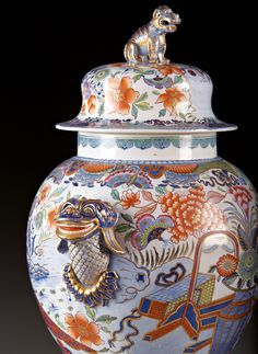 An English ironstone China jar and cover, cerca 1820, 12 inches. From 2015 San Francisco Fall Antiques Show exhibitor, Janice Paull.
