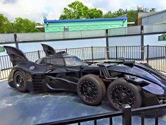 Batman Car, Batman Batmobile, Batman Comics, Batman Artwork, Batman Wallpaper, Futuristic Motorcycle, Futuristic Cars, Weird Cars, Cool Cars