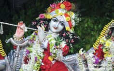 To view Gopinath Close Up Wallpaper of ISKCON Chowpatty in difference sizes visit - http://harekrishnawallpapers.com/sri-gopinath-close-up-wallpaper-023/