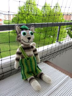 Virkkausta ja värkkäystä: Virkattu Viiru-kissa-Findus Knit Crochet, Crochet Hats, Diy And Crafts, Cross Stitch, Teddy Bear, Knitting, Sewing, Handmade, Animals