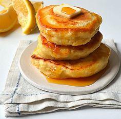 easy lemon ricotta pancakes, easy ricotta pancakes, light and fluffy lemon ricotta pancakes