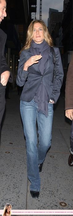 Jennifer Aniston Walking to CNN Studio Oct. 2005