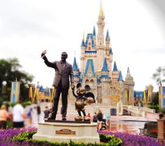 Walt & the Mouse in front of Cinderella castle at the opening of Magic Kingdom - Jun 2012 - (notice the pigeon that has landed on walt's finger) I love this photo! Mouse Photos, Starting From The Bottom, Cinderella Castle, Disney Planning, Magic Kingdom, Disney Trips, Main Street, Photo Contest, Time Travel
