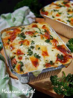 macaroni schotel Macaroni Cheese Recipes, Pasta Recipes, Snack Recipes, Cooking Recipes, Bread Recipes, Macaroni Schotel Recipe, How To Make Macaroni, Foto Pastel, Ramadan Recipes