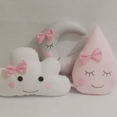20 Super Cute Kids Pillow Ideas For Nursery Room Decorating - Kids Pillows - Ideas of Kids Pillows Cute Pillows, Baby Pillows, Kids Pillows, Pillow For Baby, Baby Bedroom, Baby Room Decor, Nursery Room, Felt Crafts, Diy And Crafts