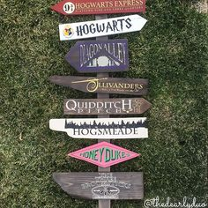 Harry Potter Directional Sign. @thedearlyduo & @charmingmischief https://www.etsy.com/shop/CharmingMischief #HP #Harrypotter #diagonalley #honeydukes #threebroomsticks #olivanders #hogwarts #hogwartsschoolofwitchcraftandwizardry