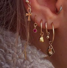 Trendy Jewelry Ideas For Women That Are Gorgeous – – piercings Ear Jewelry, Trendy Jewelry, Cute Jewelry, Jewelry Accessories, Women Jewelry, Jewelry Ideas, Jewellery, Jewelry Websites, Jewelry Shop