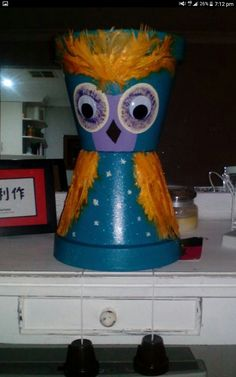 Large owl with real feathers Terracotta, Feathers, Planter Pots, Owl, Owls, Feather, Terra Cotta