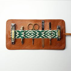 Mantidy - Travel accessories for men #Groomingroll