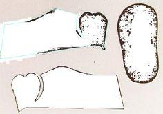 Olá gente querida do bloguinho,     A nossa leitora Vanessa me pediu por e-mail que enviasse os moldes de sapatinhos de papel que mostr...