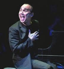 Michel Camilo Un pianista con ritmos caribeños y armonías de jazz; su composición Why not! se convirtió en un éxito grabado por Paquito D'Rivera en uno de sus álbumes, que fue ganador de un Grammy (1993) en la versión vocal de los Manhattan Transfer. Sus dos primeros álbumes fueron: WHY NOT! y SUNTAN/MICHEL CAMILO IN TRIO