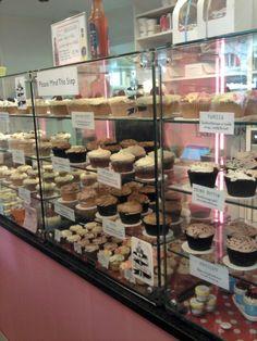 A cute little cupcakeshop/coffeeshop in London