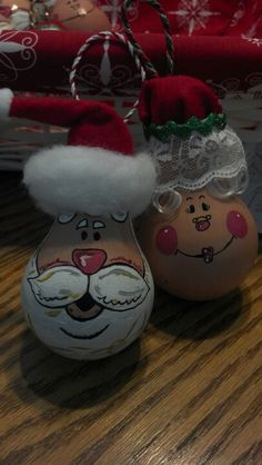 Close up of Mr. and Mrs. Claus light bulb ornaments!