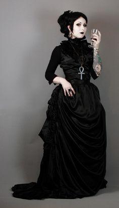 Neo-Victorian Gothic / Ankh / Black Goth Women's dresses - bajip. Gothic Mode, Gothic Lolita, Gothic Dress, Alternative Mode, Alternative Fashion, Gothic Girls, Darkness Girl, Victorian Fashion, Neo Victorian