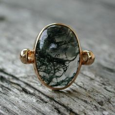 this stone is so cool. fumée
