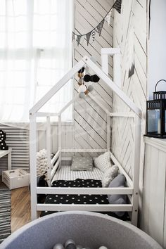 Black and white kids room interior ideas, monochrome nursery ideas, Montessori bed, children bed, frame bed, bed house, wood bed, kids teepee, baby bed house, nursery crib, children furniture