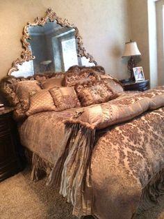 Reilly Chance Venetian Custom Bedding Set Luxurious Duvet Comforter Pillows