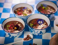 Mousse au chocolat vegan. Publié par NATURALIA. Retrouvez toutes ses recettes sur youmiam.com.