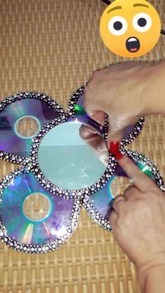 Recycled Cd Crafts, Old Cd Crafts, Diy And Crafts, Cardboard Crafts, Paper Crafts, Thali Decoration Ideas, Cd Diy, Rangoli Designs Flower, Diy Plastic Bottle