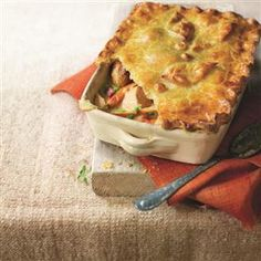Sunday lunch chicken pie recipe. This chicken pie is a perfect alternative for a Sunday roast.