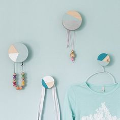 Designed wooden knobs can be quite expensive. So why not style your own for a…