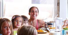 Danna – eine Mompreneur mit Leidenschaft für gesundes Essen Unsere Mama der Woche ist Danna. Sie kommt aus einem Land, das nicht nur etwas von Essen versteht, sondern auch von der Leidenschaft dafür. Top, Mom And Dad, Passion, Clean Foods, Health