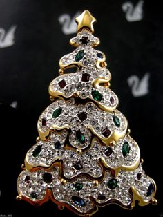 SIGNED SWAROVSKI PAVE' CRYSTAL 1997 CHRISTMAS TREE PIN  PIN~ BROOCH RETIRED NEW