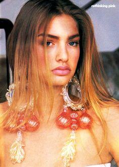90s Models, Fashion Models, Fashion Beauty, Fashion Editor, Michaela Bercu, Retro Makeup, Vogue Us, Vogue Magazine, Summer Essentials