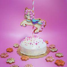 ⭐️Merry-Go-Round Cake⭐️ #sweetfairytale #cutie #cake #cookie #icing #merrygoround #marypoppins #KUNIKA