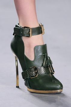 Prabal Gurung Fall 2013 RTW #shoes #bootie #heels #green #gold