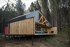Inspired by traditional Chilean architecture, Casa La Quimera is a wooden house designed by architect Carlos Torres Alcalde. Wood Architecture, Residential Architecture, Architecture Details, Ideas Cabaña, Wooden House Design, Casa Patio, Wooden Sheds, Small Buildings, Spacious Living Room