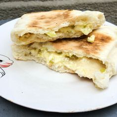 Turtite cu branza si ceapa verde Apple Pie, Pancakes, Sandwiches, Breakfast, Desserts, Food, Green, Morning Coffee, Tailgate Desserts