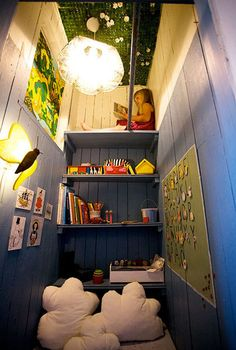 Unique children's space! How great is this reading closet!!?!