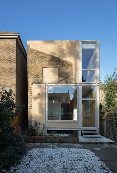 World Architecture Community News - House of Trace by Tsuruta Architects wins RIBA 2016 Stephen Lawrence Prize Newport Street Gallery, Brick Extension, Architecture Résidentielle, Architecture Wallpaper, London House, Architect House, House Extensions, Facade House, Simple House