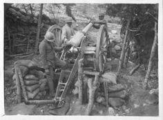 Impiego di una bocca da fuoco da parte di artiglieri dell'esercito italiano, Monte Magnaboschi 1916.SIRBeC #StorieIGM