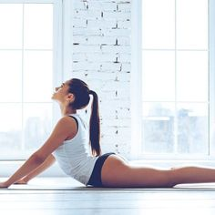 Yoga Fitness Flat Belly 5 poses de yoga pour un ventre plat - There are many alternatives to get a flat stomach and among them are various yoga poses. Yoga Fitness, Fitness Workouts, Yoga Gym, Easy Workouts, Easy Fitness, Fitness Style, Fitness Design, Yoga Workouts, Cardio Gym