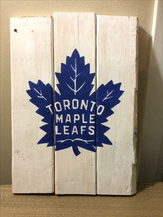 Toronto Maple Leafs Hockey Logo wood sign for man cave Wooden Wall Art, Wooden Signs, Barn Board Projects, Sports Man Cave, Hockey Decor, Maple Leafs Hockey, Wood Crafts, Diy Crafts, Sports Signs