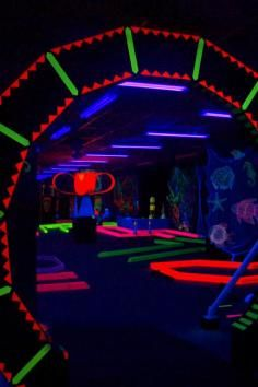 glow in the dark putt putt! - Glow-A-Rama - indoor glow in the dark miniature golf/game room/haunted house (easter hairstyles for teens) Glow In Dark Party, Glow Party, Indoor Mini Golf, 13th Birthday Parties, Teen Birthday, 16th Birthday, Youth Group Games, Group Activities, Outdoor Gym