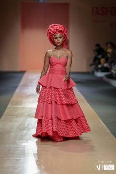 African Fashion Dresses, African Dress, Xhosa Attire, African Princess, Shweshwe Dresses, Traditional Wedding Cake, Fashion Week 2018, Africa Fashion, Summer Dresses