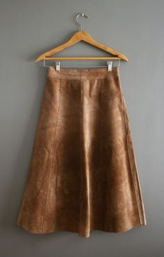 Vintage suede skirt... Winter's coming:)